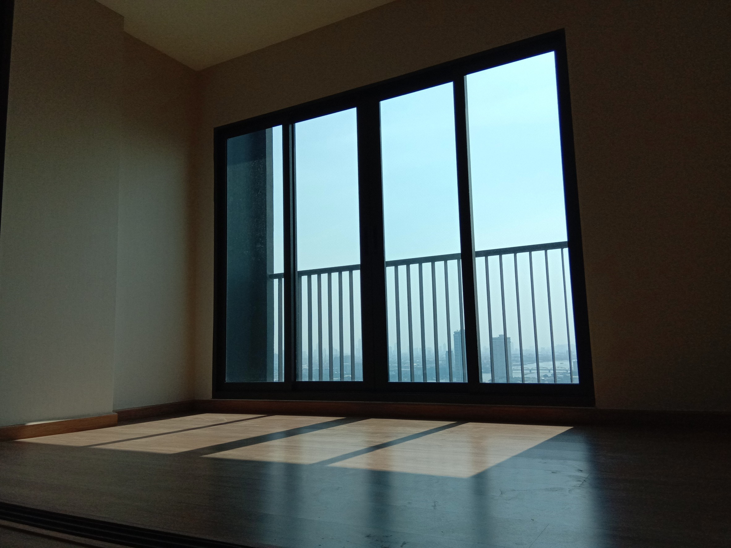 For SaleCondoPinklao, Charansanitwong : Sale at the end of the condo The Tree RIO Bang O 30.77 sq.m. 1 bedroom next to Charansanitwong Road. The new room, the owner has never lived, the view is not blocked.