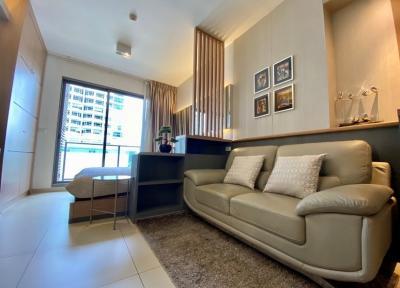 For RentCondoSukhumvit, Asoke, Thonglor : Urgent Rent !!! 1 Bedroom New room, Very nice decoration, high floor.