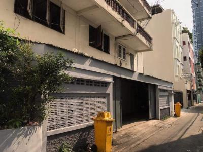 For SaleShophouseWongwianyai, Charoennakor : 6-storey house 300parking 1min BTSGold-ICONSIAM 550SQM 55MB Tel.095-5154151