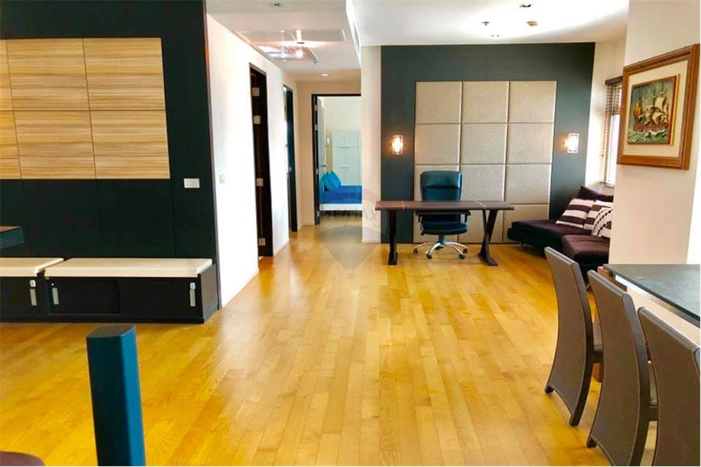 For SaleCondoSukhumvit, Asoke, Thonglor : For sale, The Madison Sukhumvit 41, 2 bed 162 sqm. 5 minutes walk from BTS Phrom Phong, surrounded by department stores And many restaurants Fully furnished room Very nice