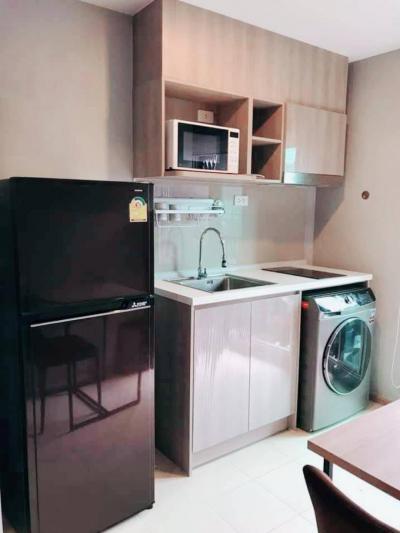 For RentCondoKasetsart, Ratchayothin : เช่า Elio Del Moss พหลโยธินซอย 34💥วิวสระว่ายน้ำ💥Fully furnished แต่งครบ  ลากกระเป๋าใบเดียวเข้าอยู่ได้เลย ห้อง 1 bedขนาด 30.50 ตรม. ตึกG ชั้น7 💰ราคาเช่า : 12,500 บาท