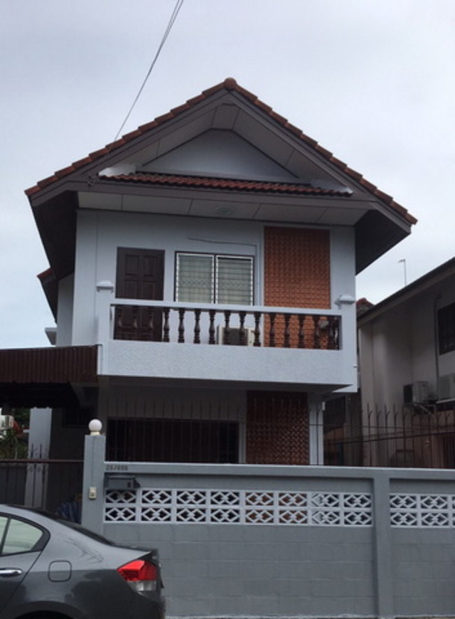 For RentHouseChengwatana, Muangthong : HR166 2 storey detached house for rent, Si Chai Chai Thong Village 3, Chaeng Watthana - Pak Kred 24 Road, ready to move in