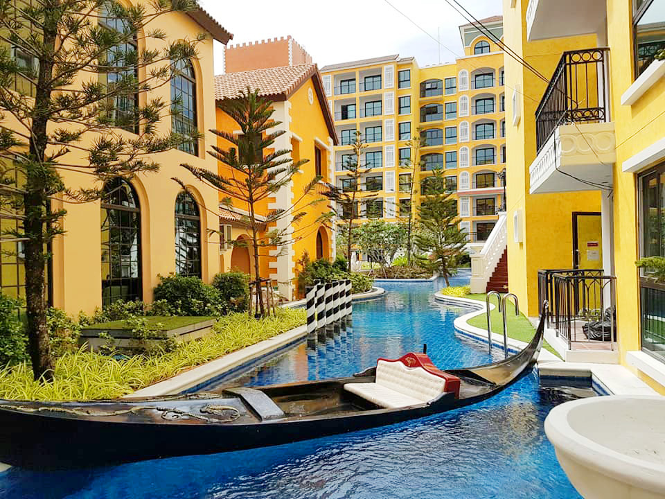For SaleCondoChonburi, Pattaya, Bangsa : Sale 1.65MB Venetian Condo Pattaya, 5th Floor, Ready to move in
