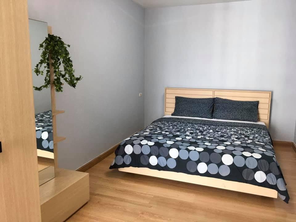 For RentCondoKasetsart, Ratchayothin : Condo for rent at SUPALAI PARK Kaset, 1 bedroom 52 sqm. 20th floor, fully furnished, electrical appliances near Kasetsart University