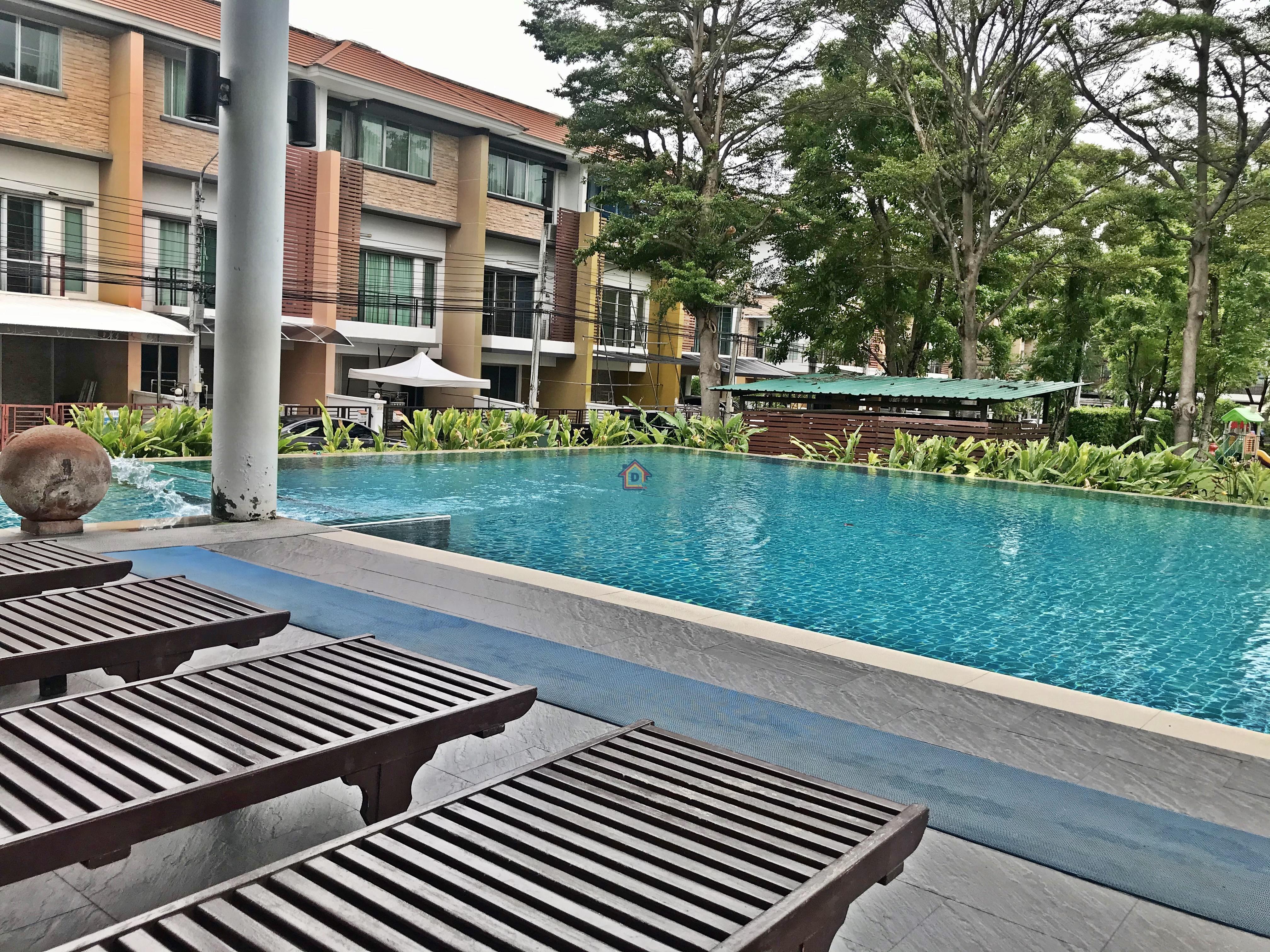 For SaleTownhouseLadkrabang, Suwannaphum Airport : ขายทาวน์โฮม Plus Citypark Srinagarindra - Suanluang(พลัส ซิตี้พาร์ค) ศรีนครินทร์-สวนหลวง ทาวน์โฮมหรูของแสนสิริ