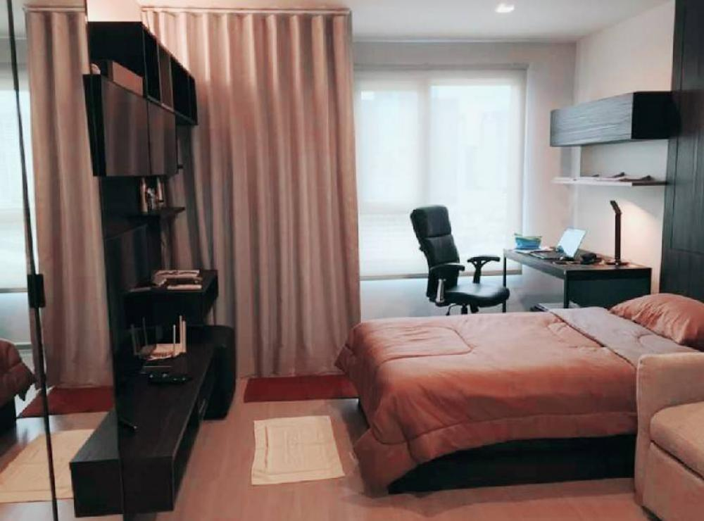 For RentCondoLadprao, Central Ladprao : Condo for rent, Life Ladprod, interested to call, can negotiate. Walk a few steps to BTS Lat Phrao, fully furnished, fully electric appliance With high speed internet 2in 1 washing machine, 49 inch big screen TV, air purifier, color adjustable light Big d