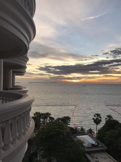 For RentCondoPattaya, Bangsaen, Chonburi : For Rent Sky Beach - 1 bed 51 sq.m.  8th floor