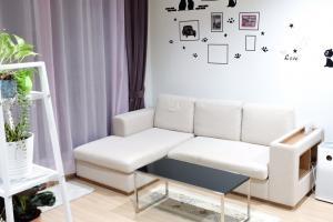For SaleCondoSapankwai,Jatujak : Condo for sale: Rhythm Phahon-Ari 2 bedrooms, 1 bathroom