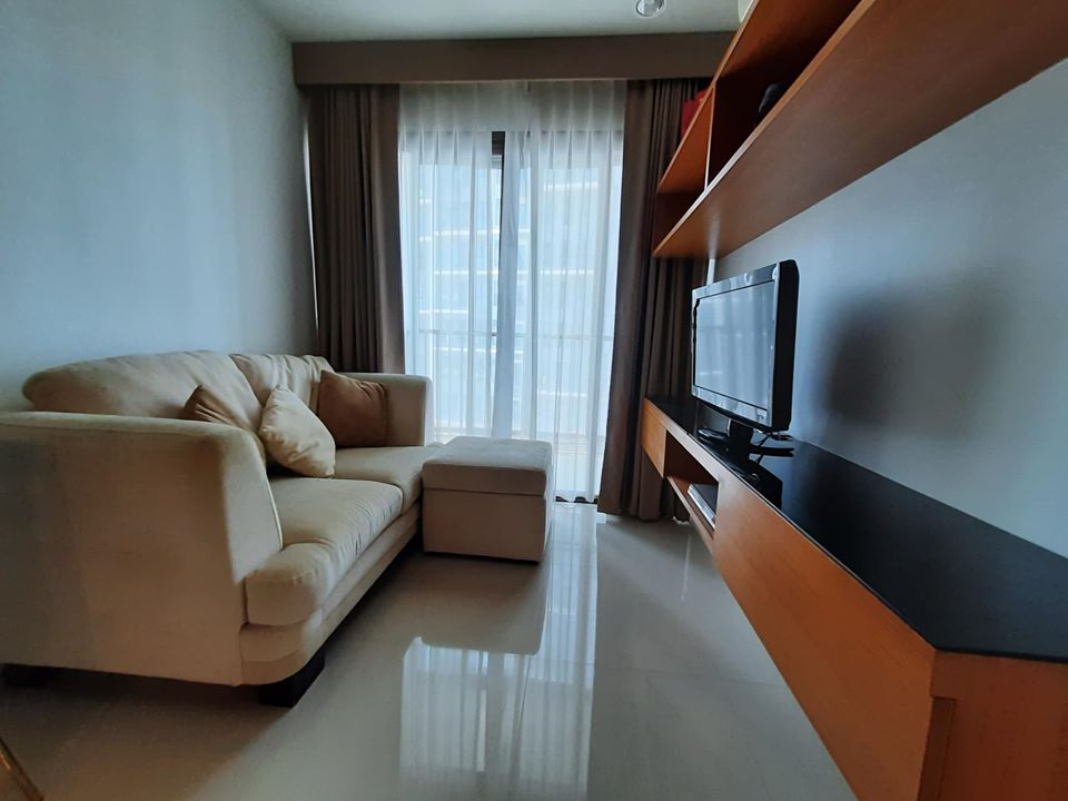 For RentCondoWongwianyai, Charoennakor : A1295 ++ RENT ++ Ideo Sathorn-Taksin | 1 bed size 34.5 sqm. * BTS Krung Thon Buri
