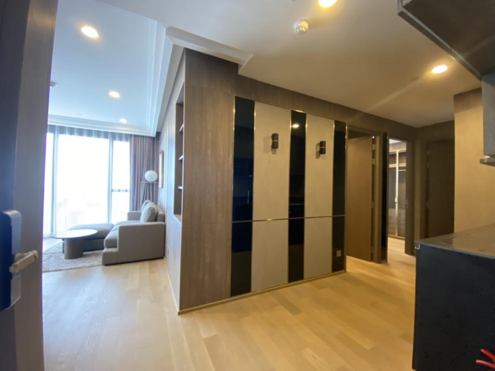 For SaleCondoSiam Paragon ,Chulalongkorn,Samyan : Urgent Sale, Ashton Chula, 2 bedroom, new room, owner never stay Never rent There are both furnished rooms and empty rooms. Very nice view.