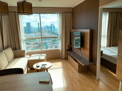 For RentCondoPattanakan, Srinakarin : Room for rent on 23rd floor, Thonglor view, near elevator