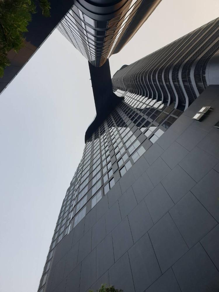 ขายดาวน์คอนโดสุขุมวิท อโศก ทองหล่อ : Hot price Ideo Q suk.36 ขายขาดทุนด่วน 2bed ตึก B 64sq.m. only 12.9mb. Tel.0957615782