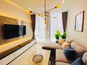For RentCondoWitthayu,Ploenchit  ,Langsuan : Noble ploenchit for rent 2 Beds 70 sqm Fl. 10 Beautiful decor the best of project 60,000 THB fully furnished View K.Bee 064146-6445 (R688)
