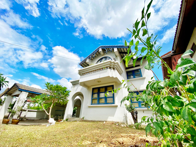For SaleHouseLadprao, Central Ladprao : [[For those who like renovating]] Detached house for sale 122 meters walking distance to MRT Lat Phrao