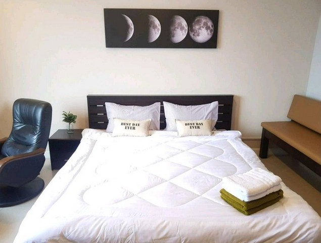 For RentCondoChiang Mai, Chiang Rai : For short-term rent, The Trio Condo, Huay Kaew Rd., Chiang Mai, nice room, good location, near Nimman
