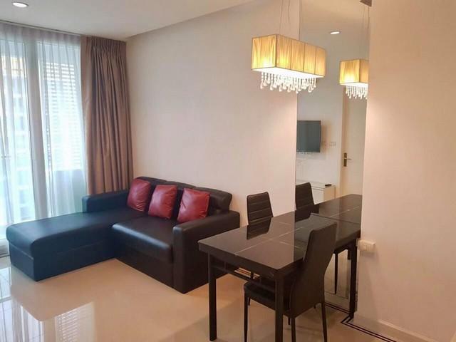 For RentCondoRama9, RCA, Petchaburi : AE0220 Condo for rent, TC Green, size 39 sq m, Building D, 29th floor, corner room, city view, near MRT Rama 9.