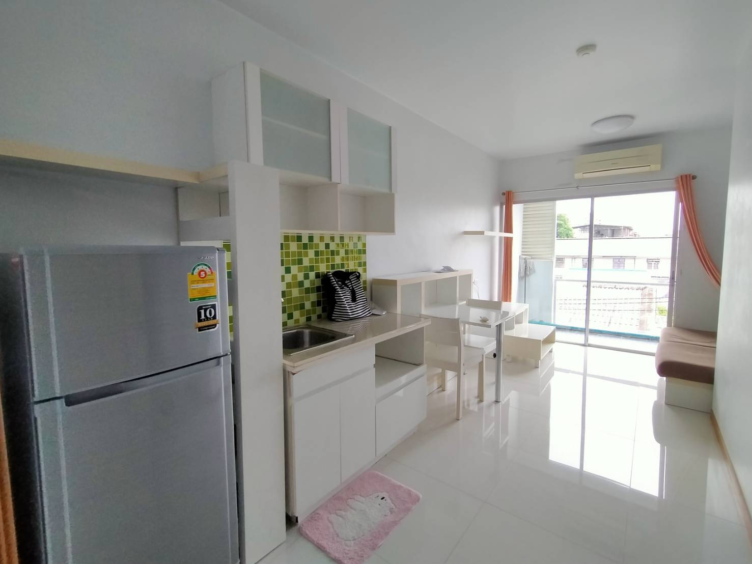 For RentCondoRama9, RCA, Petchaburi : Cheapest! For rent, A Space Asoke-Ratchada, Building C, 4th floor, size 35 sqm., New room floor is Granito / 10,000 B.
