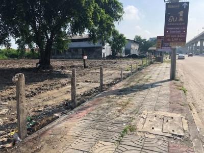 For SaleLandBangbuathong, Sainoi : Land for sale on the BTS line 2-1-55 rai, next to Rattanathibet Road, near MRT Bang Phlu.