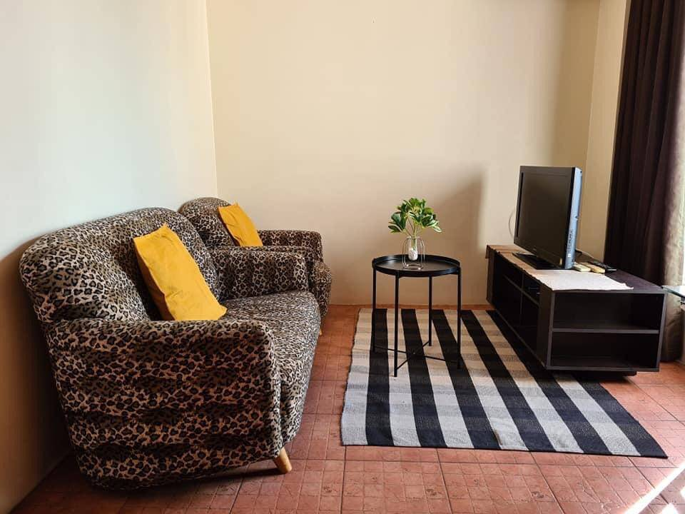 For RentCondoRatchathewi,Phayathai : +++ Urgent rent !!! pathumwan resort 2 bedrooms 49.6 sq.m. fully furnished, ready to move in +++