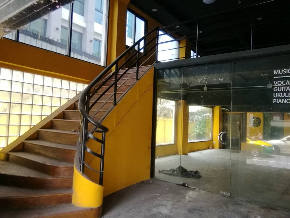 For RentShophouseRamkhamhaeng, Hua Mak : OK-B008 commercial building for rent, good location, opposite Makro Bodindecha