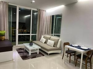 For RentCondoRama9, RCA, Petchaburi : Condo for sale / rent at TC Green Rama 9 (TC Green Condo), near Mrt Rama 9, furniture + appliances, complete / ready to move in