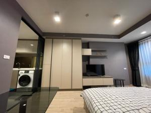 For RentCondoWongwianyai, Charoennakor : For rent, ready to move in, new rooms, the last 3 rooms, one price, Ideo Sathorn Wongwai Yai 11,000, fully furnished, electrical appliances You can make an appointment to see the actual room every day.