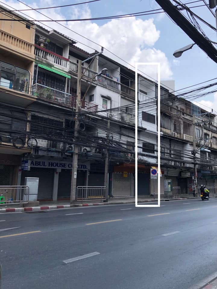 For RentCommercialSathorn, Narathiwat : BS460 4 storey commercial building for rent, good location, next to Charoen Krung road Near Assumption College, suitable for trade