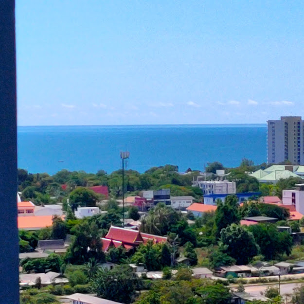 For SaleCondoCha am, Hua Hin : Mountain and sea view (rent to own or partial trade for house)
