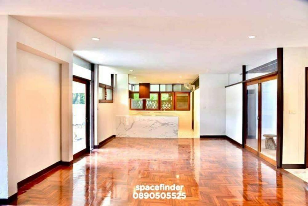 For RentHouseSukhumvit, Asoke, Thonglor : House for rent close to Thonglor BTS