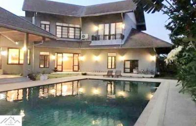 For RentHousePattanakan, Srinakarin : 2 storey house for rent in Srinakarin area Near Seacon Square, Soi Srinakarin 45, with private swimming pool.