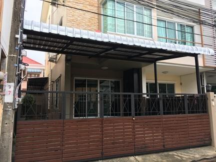 For RentTownhouseLadprao 48, Chokchai 4, Ladprao 71 : B29 Townhouse for rent 3 floors, Lat Phrao 71 Road, Soi Nakniwat 21, near Lat Phrao District Office