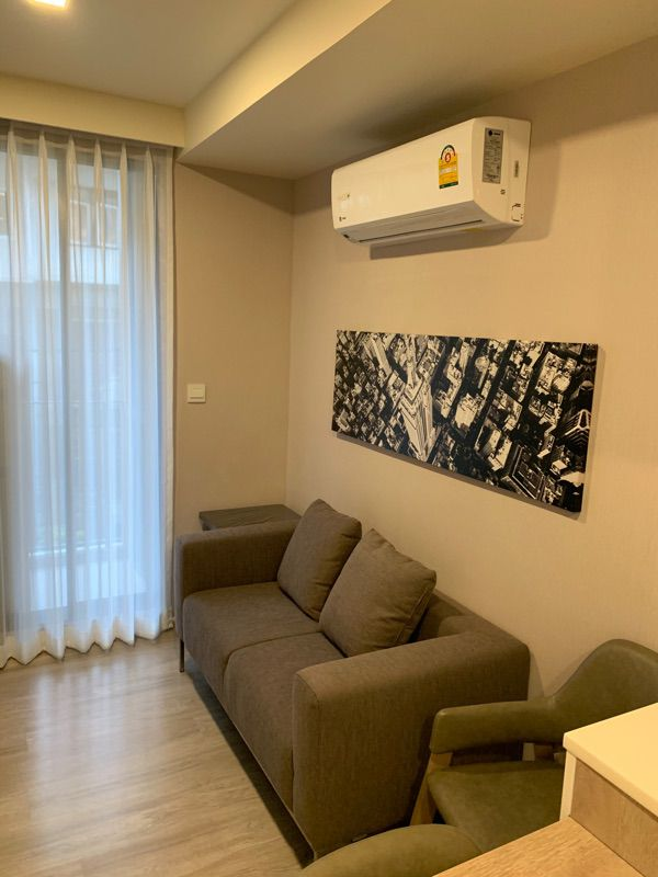 For SaleCondoRatchadapisek, Huaikwang, Suttisan : Sales were Maestro Condo 03, Building A, Floor 4, all rooms with wallpaper. With fully furnished (S1252)