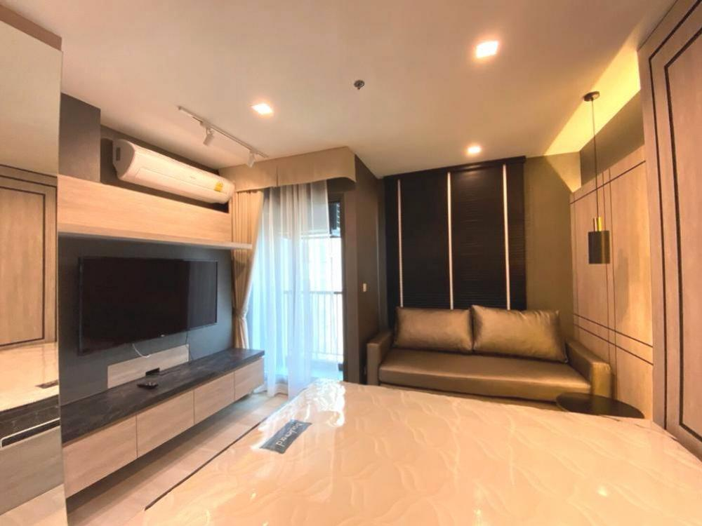 For RentCondoWitthayu,Ploenchit  ,Langsuan : Condo for rent, Life one Wireless, nice built-in studio, 28 sqm. Garden view, ready to move in