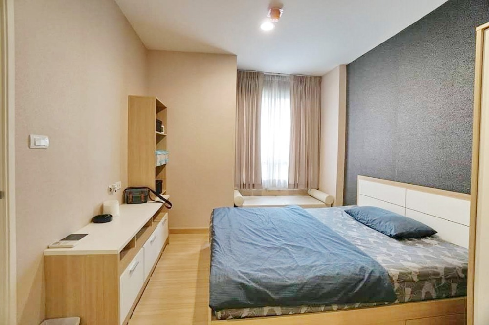For SaleCondoKasetsart, Ratchayothin : For Sale Condo Centric Scene Ratchavipha Near Wongsawang MRT Station South East Pool view, beautiful room, good condition, owner himself