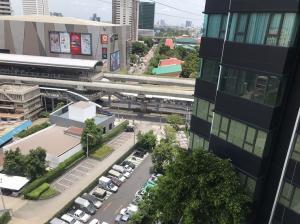เช่าคอนโดลาดพร้าว เซ็นทรัลลาดพร้าว : ห้องให้เช่า 13,000 ชั้นไม่สูงมากกำลังเหมาะ วิวไม่บล็อค ตึก A Room for Rent only 13,000 Baht