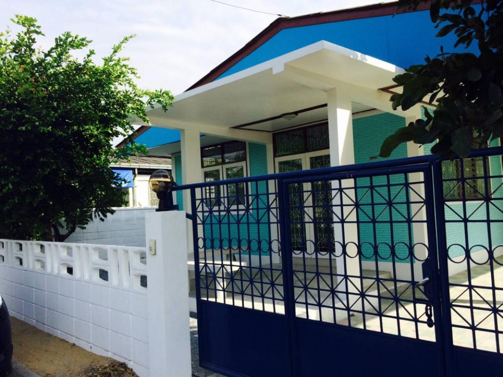 For RentHouseKaset Nawamin,Ladplakao : C1109 House for rent, Soi Nawamin 87, 3 bedrooms, 2 bathrooms.