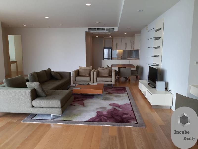 For RentCondoSiam Paragon ,Chulalongkorn,Samyan : P17CR2007016 Rent Chamchuri Square Residence 3 Bed 130,000