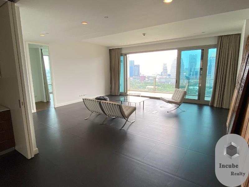 For RentCondoWitthayu,Ploenchit  ,Langsuan : P17CR2006055 Rent 185 Rajadamri 3 Bed 220,000