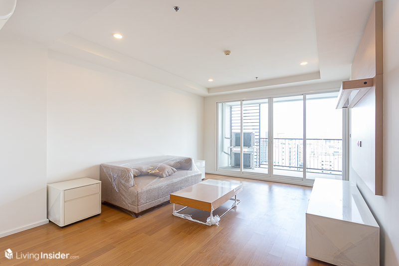 For RentCondoNana, North Nana,Sukhumvit13, Soi Nana : Condo near BTS, 3 Bedroom Huge unit Size137sq.m. for rent very good price only 49,000 baht/month