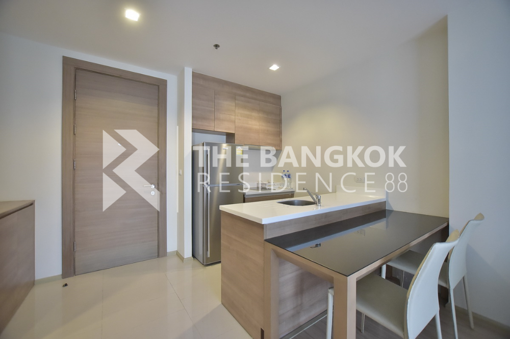 For SaleCondoRatchadapisek, Huaikwang, Suttisan : Condo for sale Rhythm Huaikwang 46sqm 1Bed1Bath 23Floor SkyLiving South Unblock Gardenview very beautiful room. Ready to open the room all the time 0925456151 (Team)