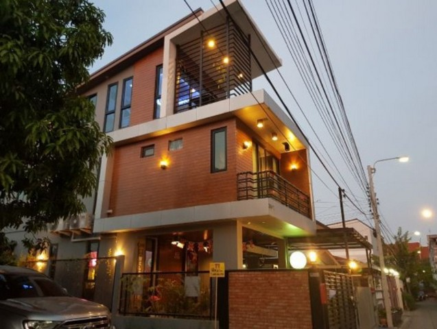 For SaleHouseOnnut, Udomsuk : AE0237 3 storey house for sale with land, Sukhumvit 93, total area 77 sq m, very beautiful, very good location, can be purchased separately.