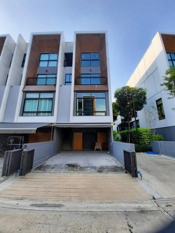For RentTownhousePattanakan, Srinakarin : Townhome for rent, Arden Pattanakarn, 20 corner rooms, Pattanakarn area, near the expressway.