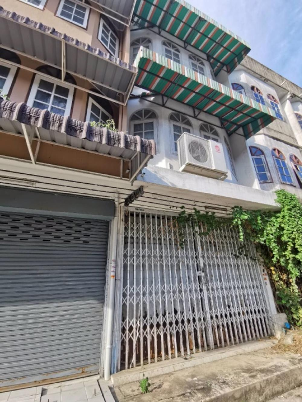 For SaleShophousePinklao, Charansanitwong : (Post owner) Sell Commercial Building Pinklao Central Pinklao