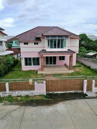 For RentHousePattanakan, Srinakarin : HR509 House for rent, 2 floors, area 98 sq m. Ekpailin Village. Soi Chaloem Phrakiat Rama 9, suitable for home office