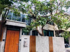 For SaleHouseBangbuathong, Sainoi : House for sale in the corner, renovation, descent, 4 bedrooms, 4 bathrooms, Dzio Ratchapruek Village, Nonthaburi