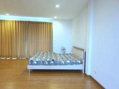 For RentTownhouseRama 2, Bang Khun Thian : For rent Baan Klang Muang, Sathorn-Taksin 2, fully furnished, 20 sq.wa., 3 bedrooms, 3 bathrooms, 23,000 baht / month.