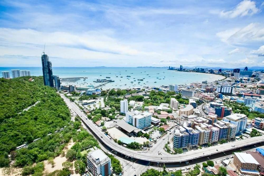 For SaleCondoChonburi, Pattaya, Bangsa : 46-storey high rise condo near Bali Hai Pier Sea view room, Pattaya bay 🏝