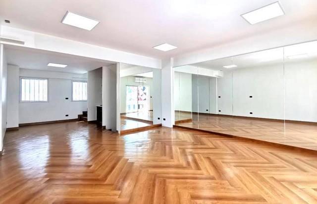 เช่าตึกแถว อาคารพาณิชย์นานา : ให้เช่าโฮมออฟฟิศ luxury stlye 5ชั้น ย่านเอกมัย ใกล้BTSเอกมัย