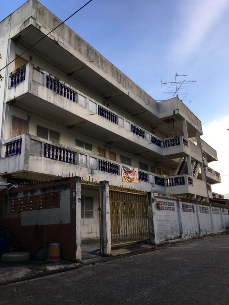 ขายขายเซ้งกิจการ (โรงแรม หอพัก อพาร์ตเมนต์)พัทยา บางแสน ชลบุรี : ขายหอพัก 27 ห้อง ถนนพระพรหม ซอย8 ศรีราชา ชลบุรี