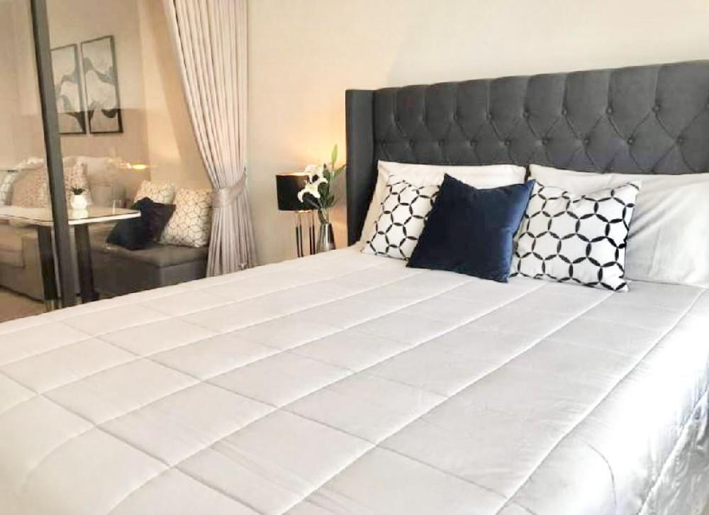 For RentCondoWitthayu,Ploenchit  ,Langsuan : Condo for rent, Life One Wireless 1 Bedroom Plus, size 35 sq. M., Only 600 meters to BTS Ploenchit, south, 5 feet, 13 inches thick mattress by Slumberland, 2 air conditioners, 2 Tvs, 2 built-in furniture, Fully furnished, electrical appliances fully